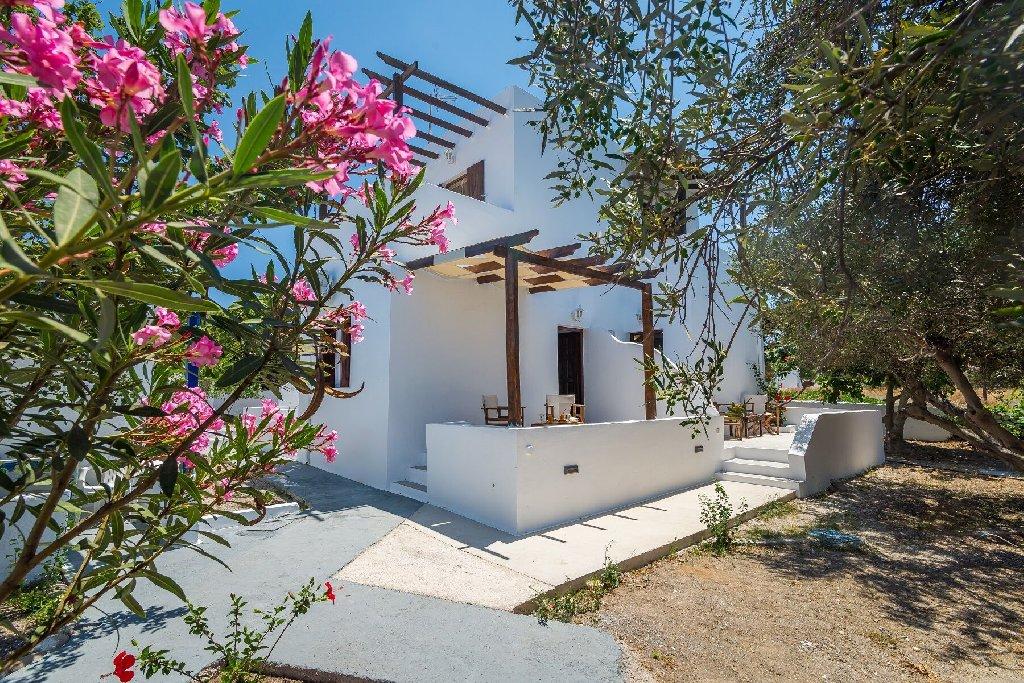 Takiss Rooms - Pollonia (Milos)