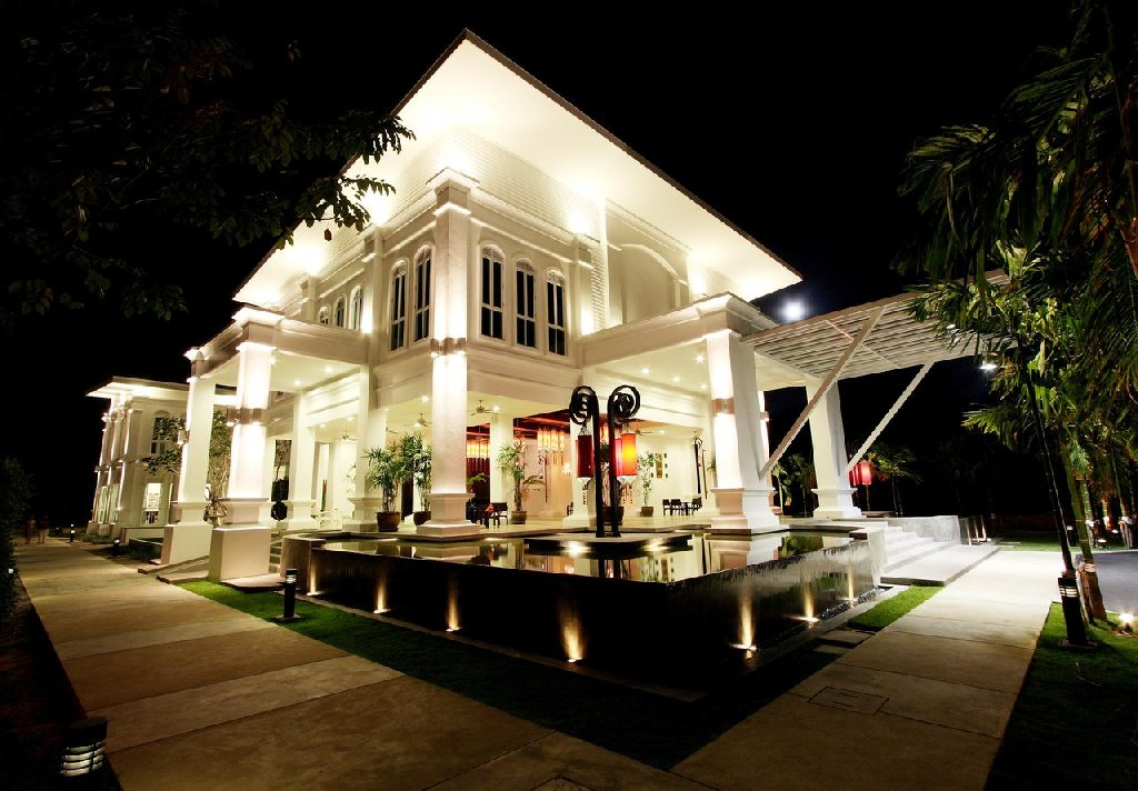 The Old Phuket-Karon Beach Resort